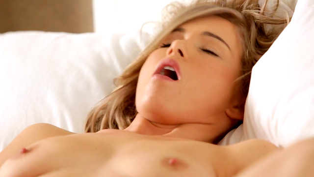 orgasm-girl-flash
