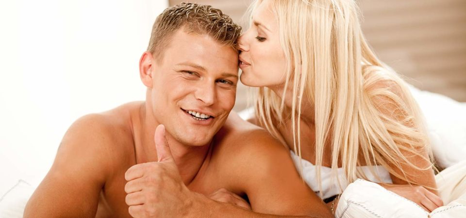 Мужчина и женщина использовали крем для продления полового акта